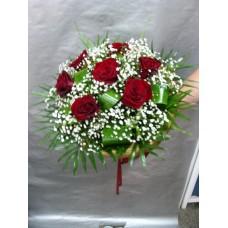 Букет 7 бр. червени рози аранжирани в кръг