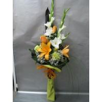 Елегантен букет във височина с лилиум, рози, карамфил и гладиола