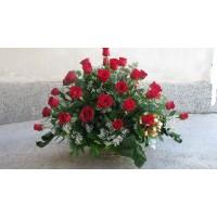 Кошница с 51 бр, червени рози